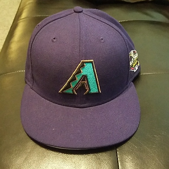 Arizona Diamondbacks size 7 1 2 fitted hat. M 5b199a2a194dad6661fd123f 26b019aa1b0